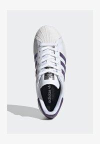 adidas Originals - SUPERSTAR SHOES - Sneaker low - white - 1