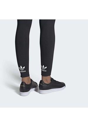 SUPERSTARPURE SHOES - Sneakers laag - black