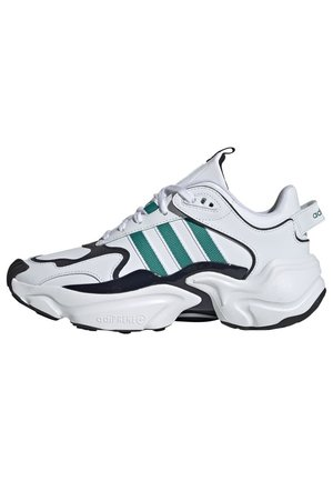 MAGMUR RUNNER SHOES - Joggesko - white