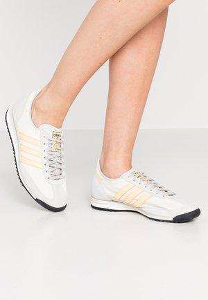 SL 72  - Sneakers - grey one/orange tint/offwhite