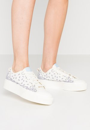 NIZZA RF PLATFORM  - Sneakers basse - offwhite/easy blue/collegiate navy