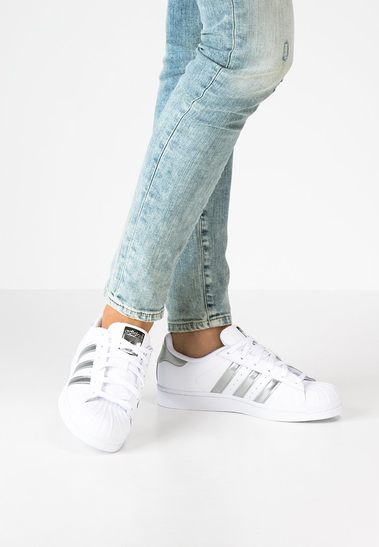 adidas Originals - SUPERSTAR - Sneaker low - white/silver metallic/core black