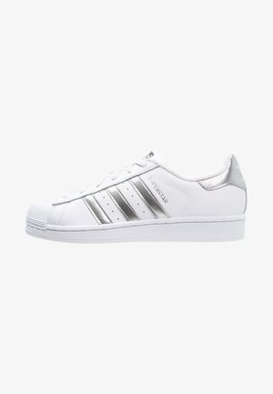 SUPERSTAR - Tenisky - white/silver metallic/core black