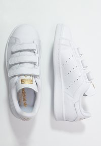adidas Originals - STAN SMITH LACE-FREE SHOES - Sneakers laag - weiß/gold - 1