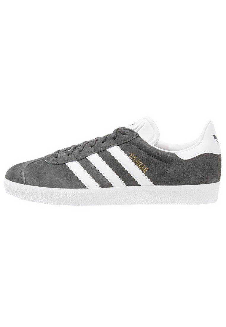 adidas Originals - GAZELLE - Sneakersy niskie - dgsogr/white/goldmt