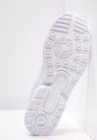 adidas Originals - ZX FLUX - Trainers - weiß - 4