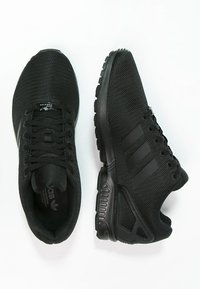 adidas Originals - ZX FLUX - Sneakers laag - schwarz - 1