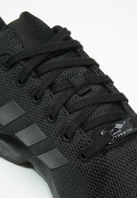 adidas Originals - ZX FLUX - Sneakers laag - schwarz - 5