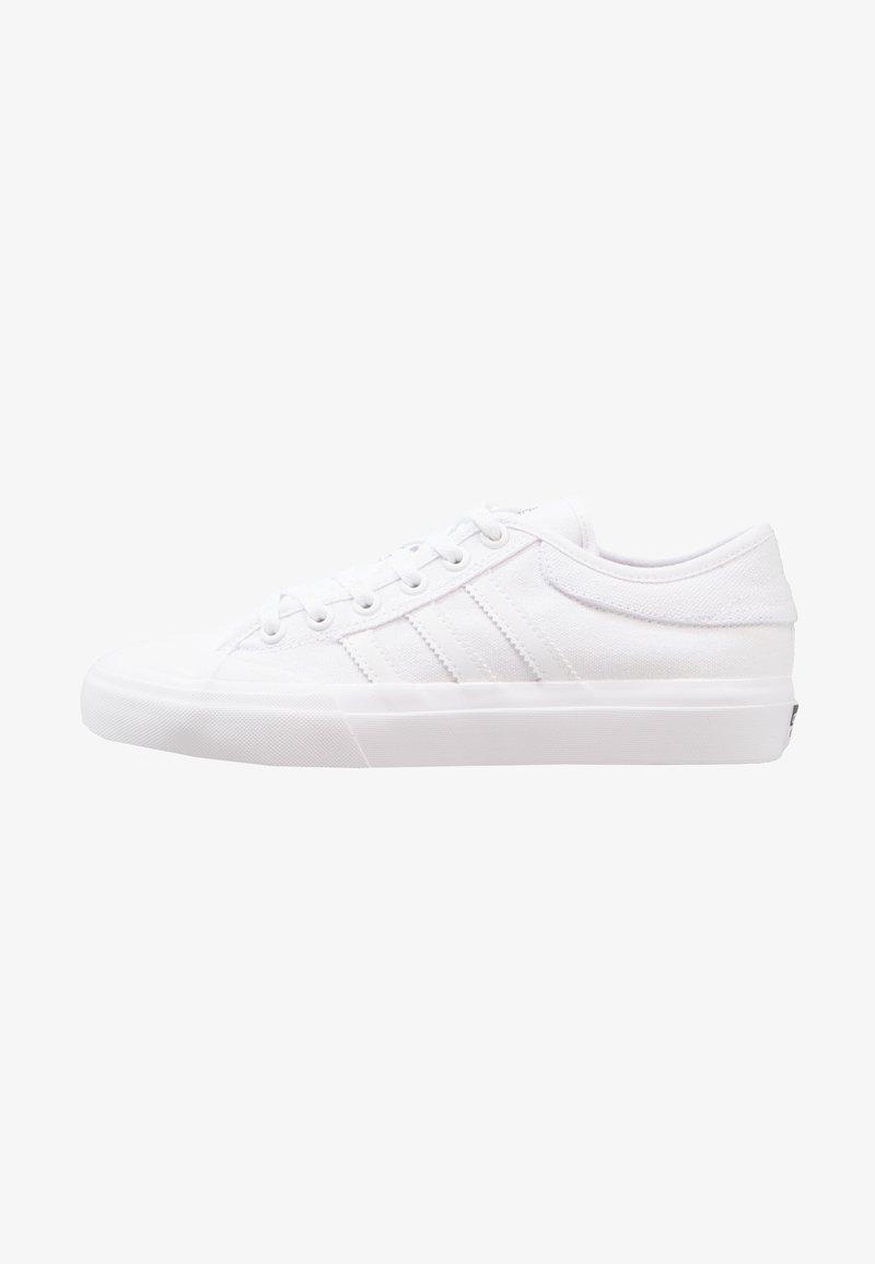 adidas Originals - MATCHCOURT - Sneaker low - footwear white