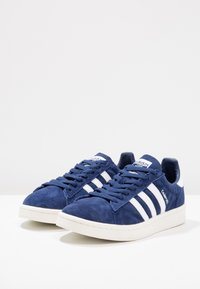 adidas Originals - CAMPUS - Tenisky - dark blue/white/chalk white - 2