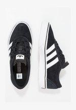 ADI-EASE - Sneakers laag - black