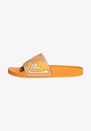 ADILETTE SLIDES - Sandaler - orange