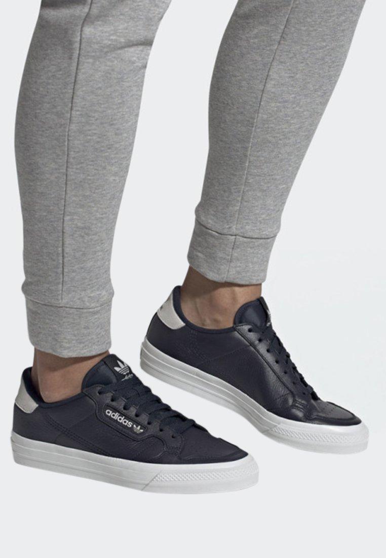 adidas Originals - CONTINENTAL VULC SHOES - Trainers - blue
