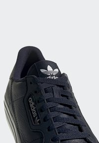 adidas Originals - CONTINENTAL VULC SHOES - Sneakers laag - blue - 9