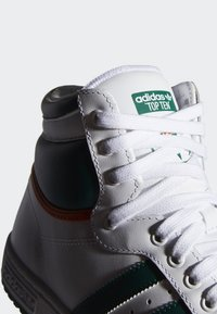 adidas Originals - TOP TEN HI SHOES - Korkeavartiset tennarit - white - 5