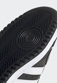adidas Originals - TOP TEN HI SHOES - High-top trainers - black - 6