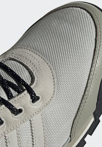 adidas Originals - BAARA BOOTS - High-top trainers - white/grey - 7