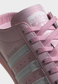 adidas Originals - SUPERSTAR MULE SHOES - Sneakers laag - pink - 6