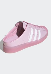 adidas Originals - SUPERSTAR MULE SHOES - Sneakers laag - pink - 4