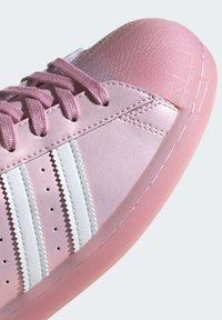 adidas Originals - SUPERSTAR MULE SHOES - Sneakers laag - pink - 7