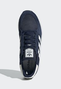 adidas Originals - FOREST GROVE SHOES - Sneakers basse - blue - 1