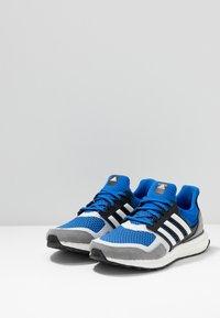 adidas Originals - ULTRABOOST S&L  - Sneakers laag - blue/footwear white/grey three - 2