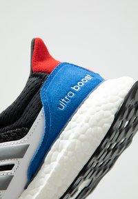 adidas Originals - ULTRABOOST S&L  - Sneaker low - core black/grey three/footwear white - 5