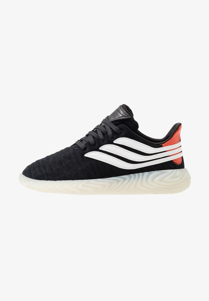 adidas Originals - SOBAKOV - Sneaker low - core black/offwhite/raw amber