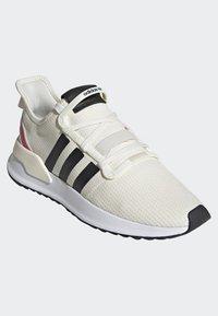 adidas Originals - U_PATH RUN SHOES - Sneakers laag - white - 3