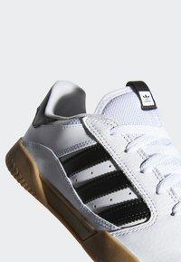 adidas Originals - VRX LOW SHOES - Skeittikengät - white - 7