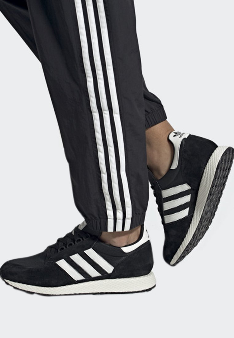 adidas Originals - FOREST GROVE SHOES - Sneakers - black