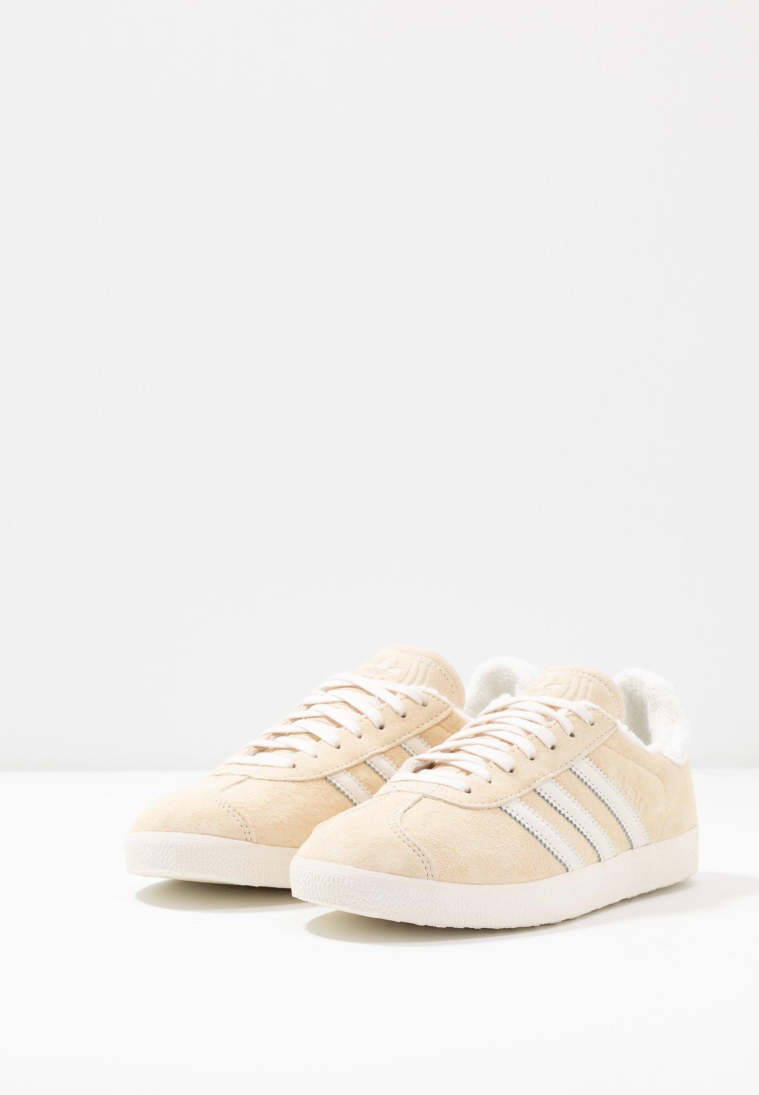 white footwear GAZELLEBaskets core basses adidas ecru tint white Originals c5LjA3R4q