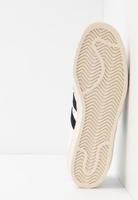 adidas Originals - SUPERSTAR 80S - Sneakersy niskie - white/black/chalk - 4
