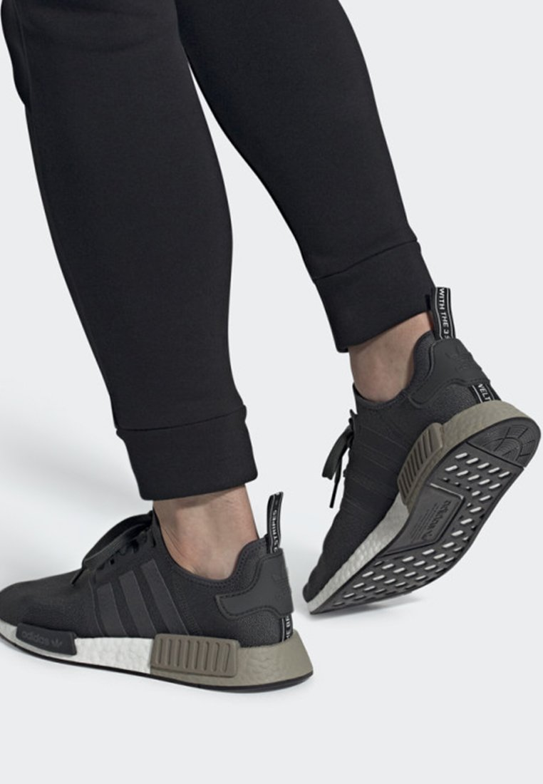 adidas Originals - NMD_R1 SHOES - Sneakers laag - grey