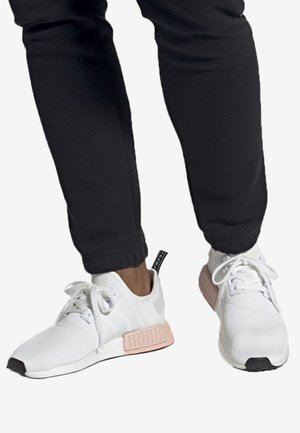 NMD_R1 SHOES - Sneakers laag - white