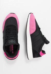 adidas Originals - I-5923 - Tenisky - core black/shock pink - 1