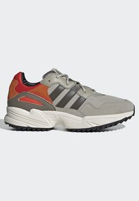 adidas Originals - YUNG-96 TRAIL SHOES - Trainers - grey - 6