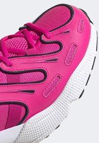 adidas Originals - EQT GAZELLE SHOES - Trainers - pink - 8