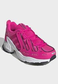 adidas Originals - EQT GAZELLE SHOES - Trainers - pink - 3