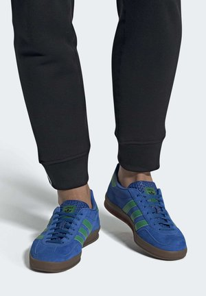 GAZELLE INDOOR SHOES - Trainers - blue