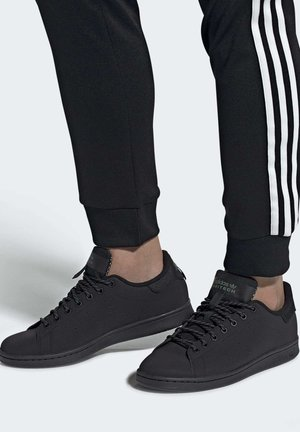 STAN SMITH SHOES - Sneakers basse - black