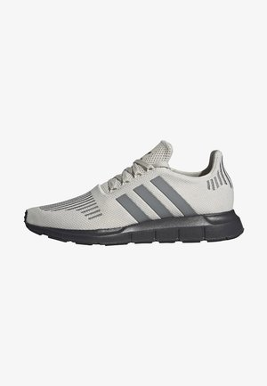 SWIFT RUN SHOES - Sneakers laag - white