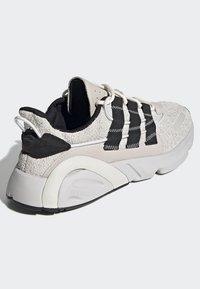 adidas Originals - LXCON SHOES - Trainers - grey - 4