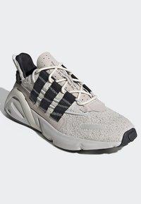 adidas Originals - LXCON SHOES - Joggesko - grey - 3