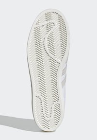 adidas Originals - SUPERSTAR SHOES - Sneakers laag - white - 4