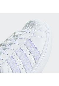 adidas Originals - Superstar Shoes - Skateschuh - white - 5