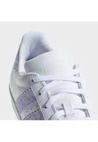 adidas Originals - Superstar Shoes - Skateschuh - white - 6