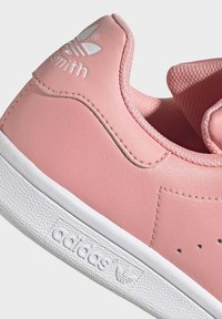adidas Originals - STAN SMITH SHOES - Sneakers basse - pink - 5
