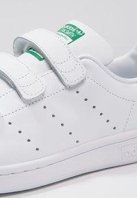 adidas Originals - STAN SMITH  - Sneaker low - white - 5