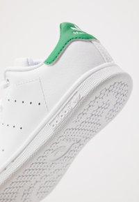adidas Originals - STAN SMITH - Zapatillas - footwear white/green - 2